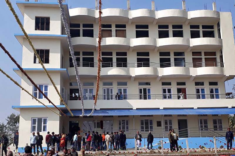 People gathered at the newly inaugurated Eastern Regional Police Thakodevi Jogendra Bhagat Hospital in Rayapur of Saptari district on Monday, January 16, 2017. The Hospital was inaugurated by the IGP Upendra Kant Aryal amid a programme. Photo: Byas Shankhar Upadhyaya/THT