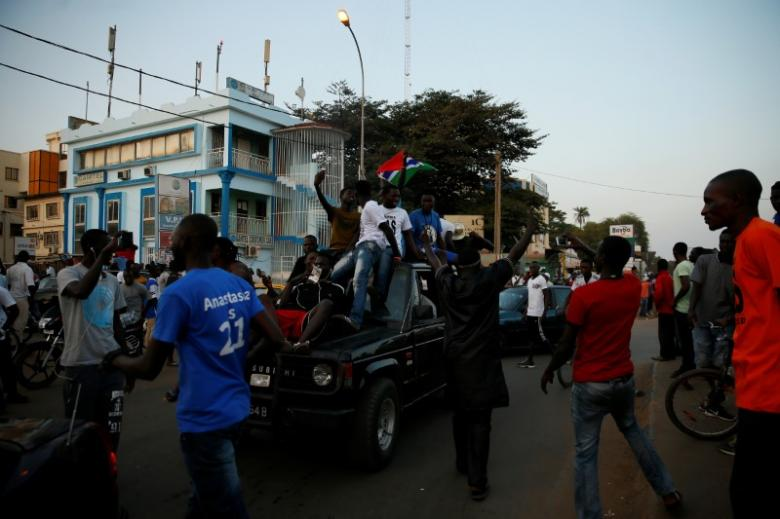 Gambians gather at West field junction to celebrate the swearing-in of Gambia's new President Adama Barrow in Banjul, Gambia. January 19, 2017   REUTERS/Afolabi Sotunde