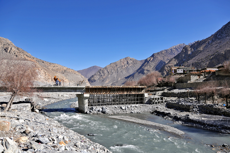 An under-construction bridge over the Kaligandai River in Jomsom in Mustang district, as captured on Saturday, Januray 14, 2017. Photo: RSS