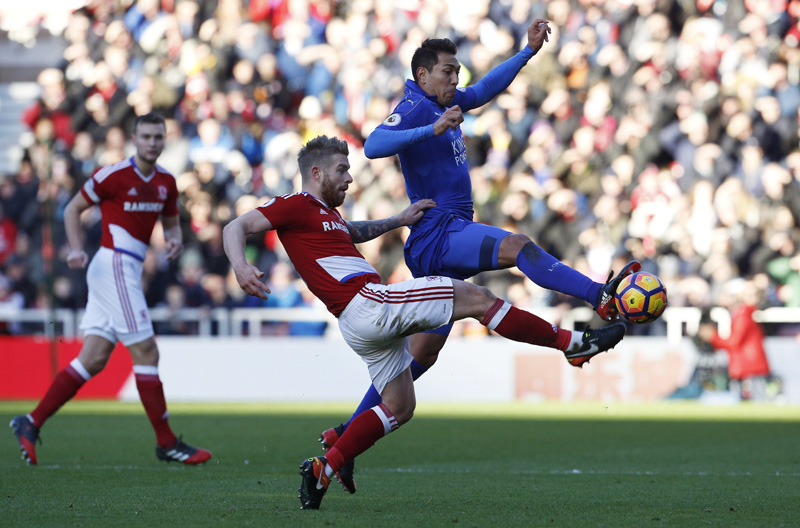 Middlesbrough's Adam Clayton in action with Leicester City's Leonardo Ulloa. Photo: Reuters