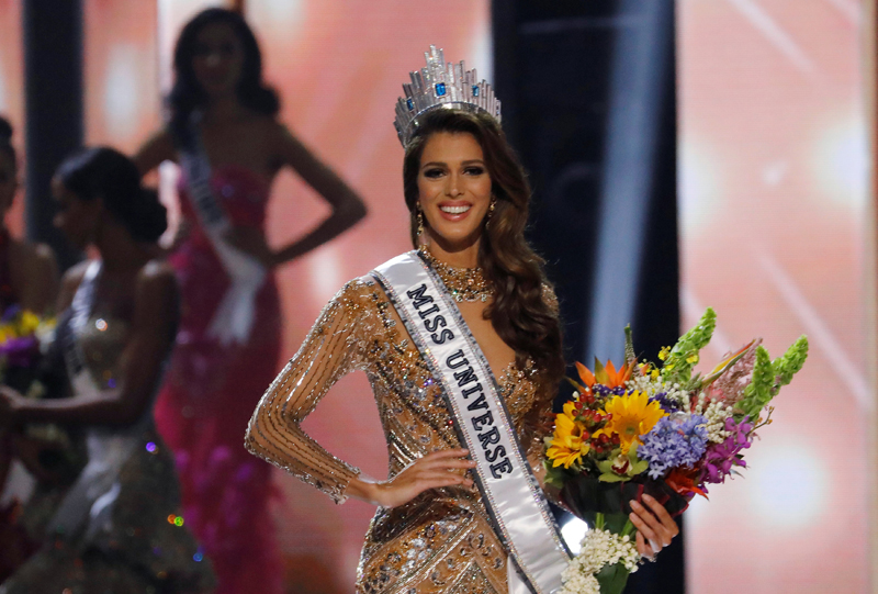 Miss France Iris Mittenaere poses  after being declared winner in the 65th Miss Universe beauty pageant at the Mall of Asia Arena, in Pasay, Metro Manila, Philippines January 30, 2017. Photo: Reuters