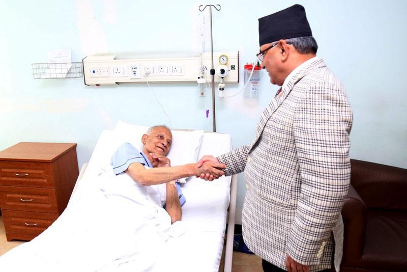 Pushpa Kamal Dahal inquires about the health condition of the Communist Party Nepal-Masal General Secretary Mohan Bikram Singh at the Grande International Hospital in Dhapasi, Kathmandu on Sunday, January 29, 2017. Photo: PM's Secretariat