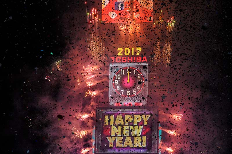 Fireworks and confetti mark the new year in Times Square in New York, US on January 1, 2017. Photo: Reuters