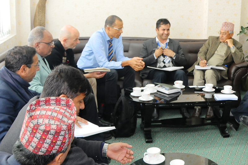 National Planning Commission member Prabhu Budhathoki (right) holds a meeting with a World Bank team in Kathmandu, on Monday, January 9, 2017. Photo: PACT