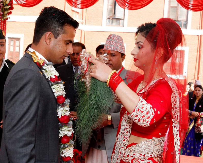 President's daughter Nisha Kusum Bhandari weds Abhishek Yadav, at the Sheetal Niwas, on Monday, January 16, 2017. Photo: RSS