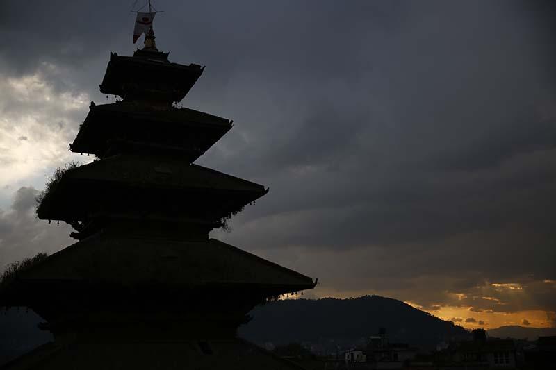Nyatapola temple against the backdrop of the last rays of the setting sun of 2016, in Bhaktapur, on Saturday, December 31, 2016. Photo: Skanda Gautam/THT