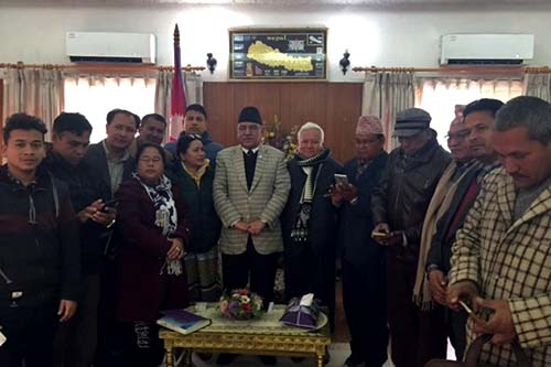 Prime Minister Pushpa Kamal Dahal with the representative committee of the National Dalit Liberation Front at the PMu2019s residence in Baluwatar on Tuesday, January 31, 2017. Photo: PMu2019s Secretariat