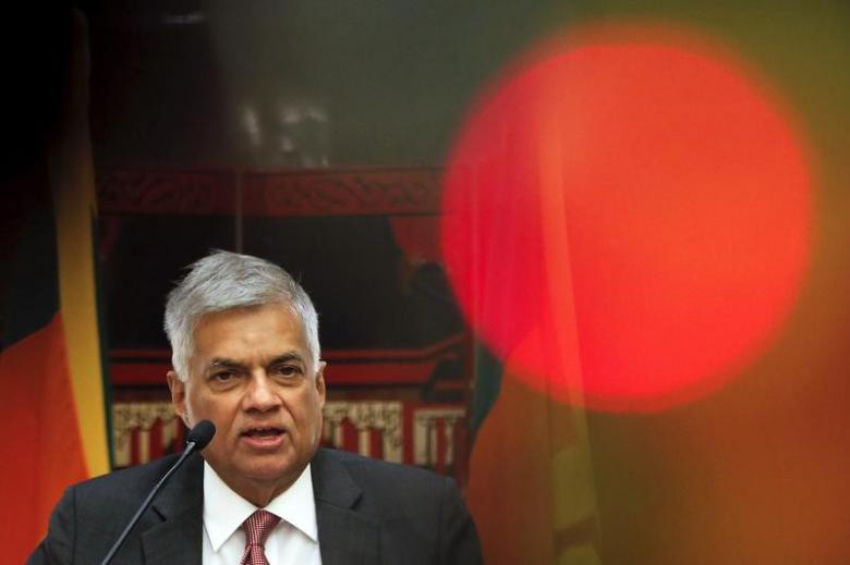 Sri Lankan Prime Minister Ranil Wickremesinghe addresses reporters at a hotel in Beijing, China April 9, 2016. Photo: Reuters