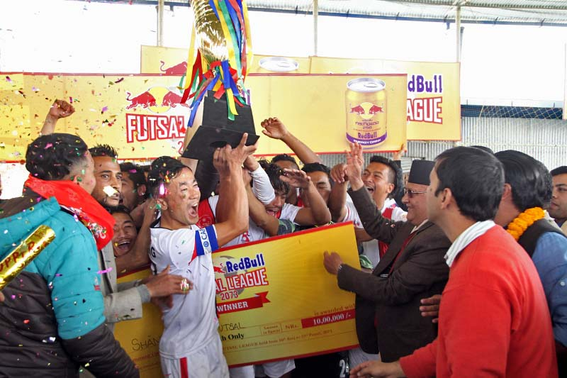 Shankhamul Futsal lifts the trophy of the Red Bull Futsal League at the Chaur Recreational Centre in Bansbari, on Saturday, January 7, 2017. Photo: THT