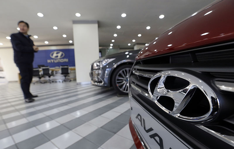 The logo of Hyundai Motor Co is seen on a vehicle displayed at its showroom in Seoul, South Korea, on Wednesday, January 25, 2017. Photo: AP