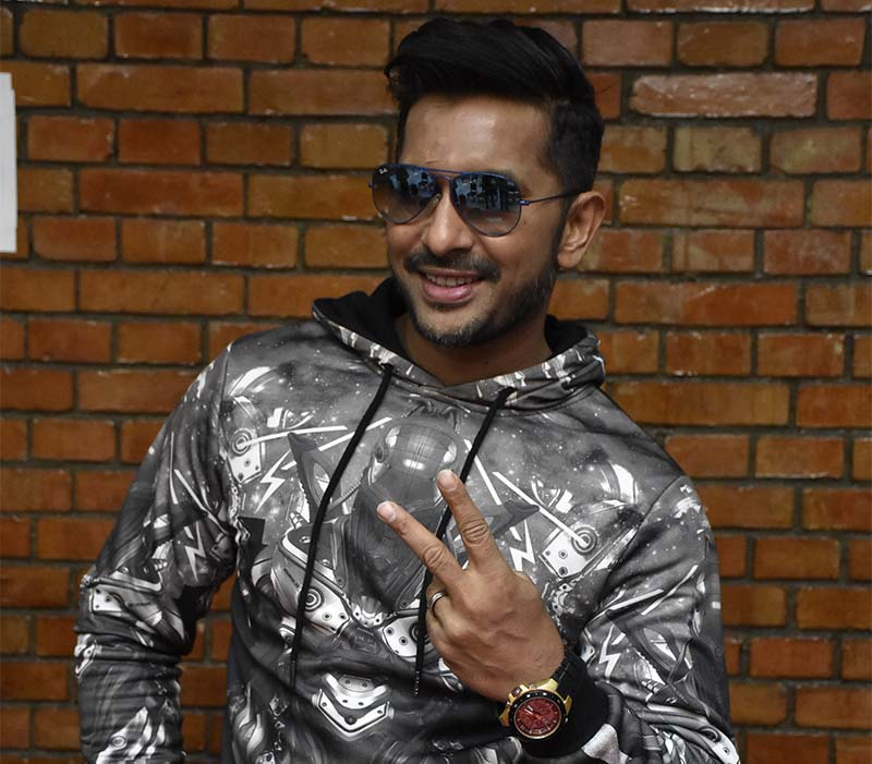 Indian dancer and choreographer Terence Lewis at the Tribhuvan International Airport, on January 13, 2017. Lewis, who arrived in the country to judge the grand finale of u2018All Nepal Dance Championship 2016u2019, flew to Butwal immediately after landing in the Capital. The grand finale of the dance show will be held in Devinagar, Butwal, on January 14. Photo: Naresh Shrestha/THT
