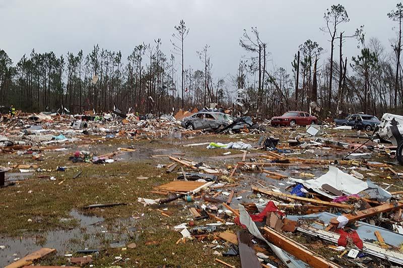 Debris covers an area of the Sunshine Acres neighborhood after a tornado struck Adel, Georgia, US on January 22, 2017.  Photo: Nathaniel R Maine via Reuters