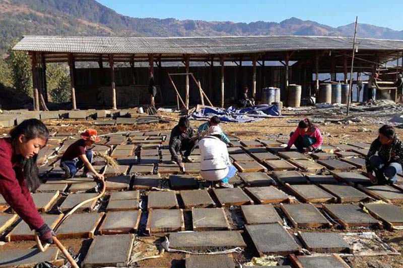 Students of Shubham Foundation engage themselves in their school building construction, in Diktel of Khotang district, on Saturday, January 21, 2017. Photo: RSS