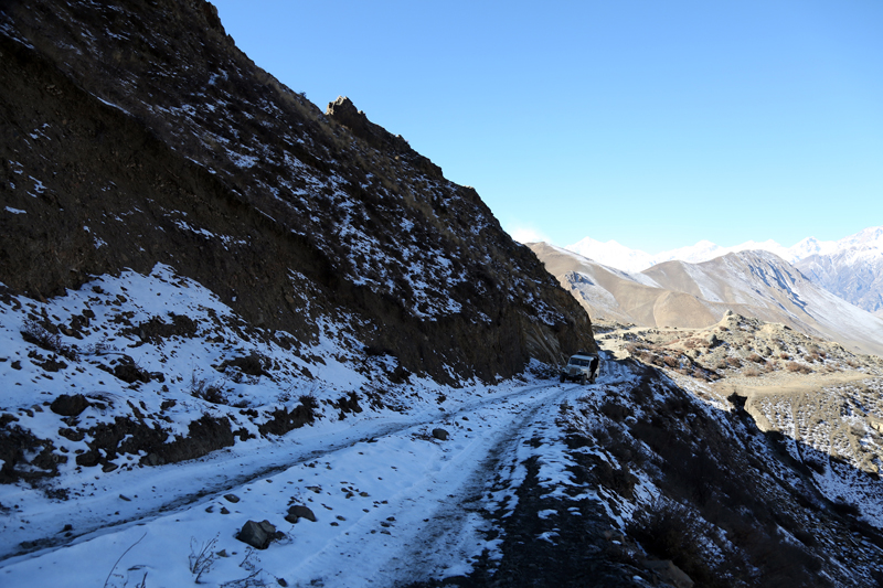 A road heading to Muktinath Temple in Mustang district is snow-blanketed, on Saturday, January 14, 2017. Photo: RSS