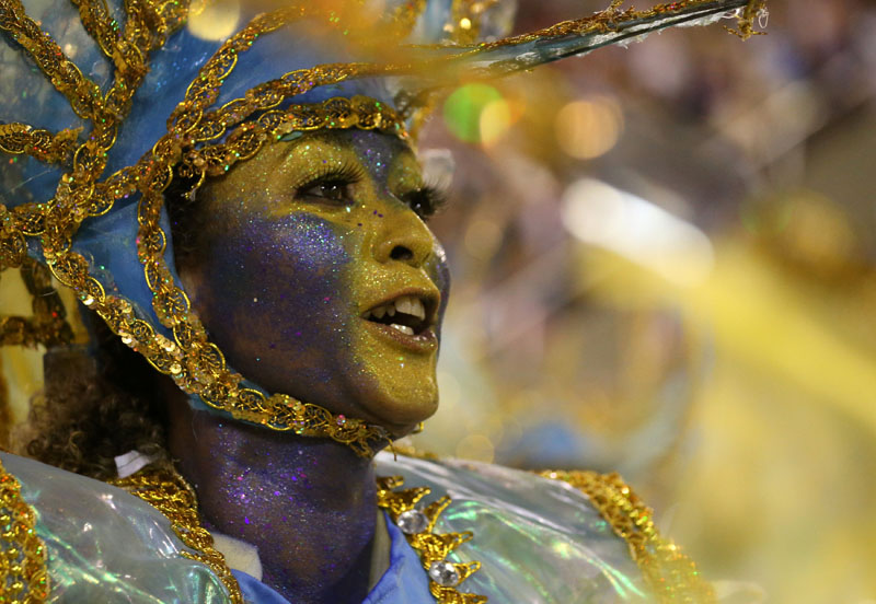 A reveller from Uniao da Ilha samba school performs during the second night of the carnival parade at the Sambadrome in Rio de Janeiro, Brazil, on February 27, 2017. Photo: Reuters