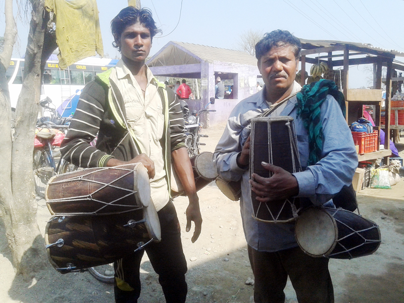 Street vendors sell two sets of dholak (a traditional musical instrument) in Jhalari of Kanchanpur district, on Sunday, February 12, 2017. The instrument is on a high demand during the Holi festival. Photo: RSS