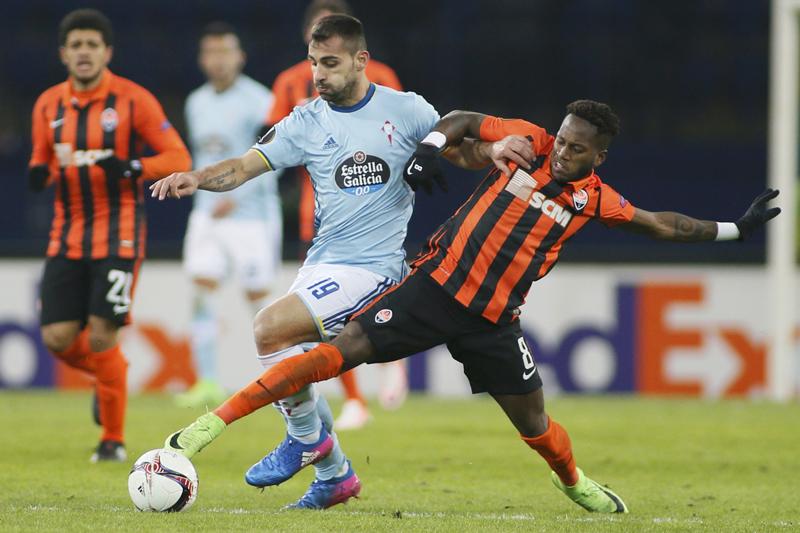 Celta Vigo's Jonny in action against Shakhtar Donetsk's Fred. Photo: Reuters