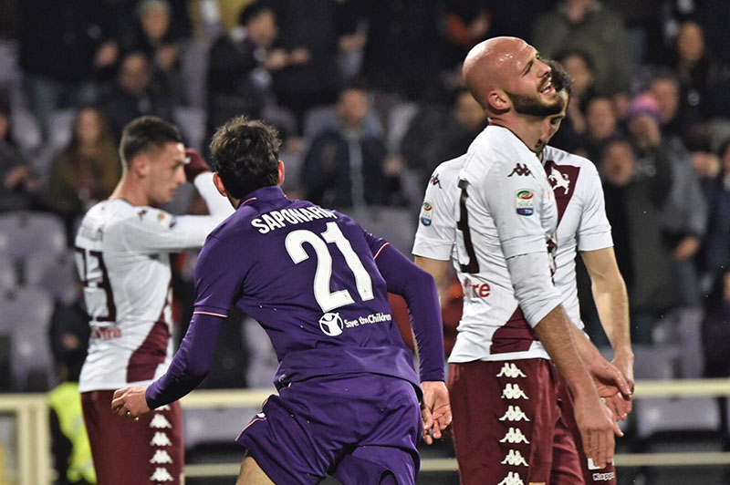 Fiorentina's Riccardo Saponara (left) celebrates after scoring a goal during the Italian Serie A soccer match between Fiorentina and Torino, at the Artemio Franchi stadium in Florence, Italy, on Monday, February 27 2017. Photo: Maurizio Degl' Innocenti/ANSA via AP