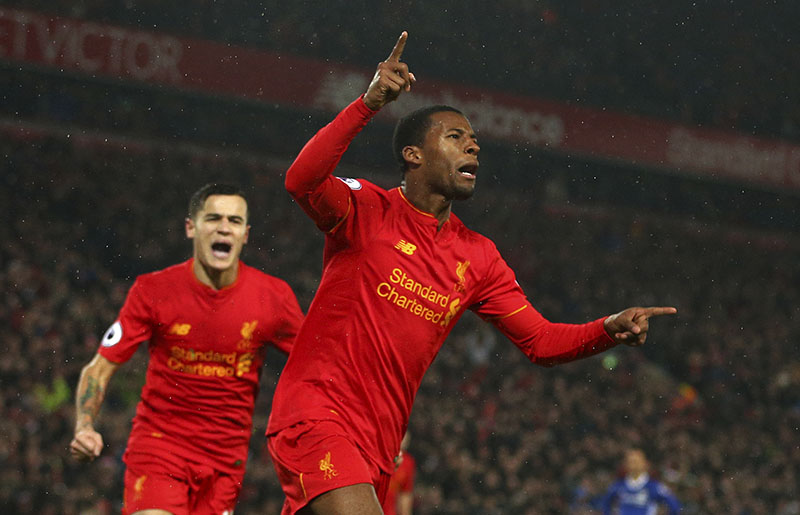 Liverpool's Georginio Wijnaldum (right) celebrates scoring a goal during the English Premier League soccer match between Liverpool and Chelsea at Anfield stadium in Liverpool, England, on Tuesday, January 31, 2017. Photo: AP
