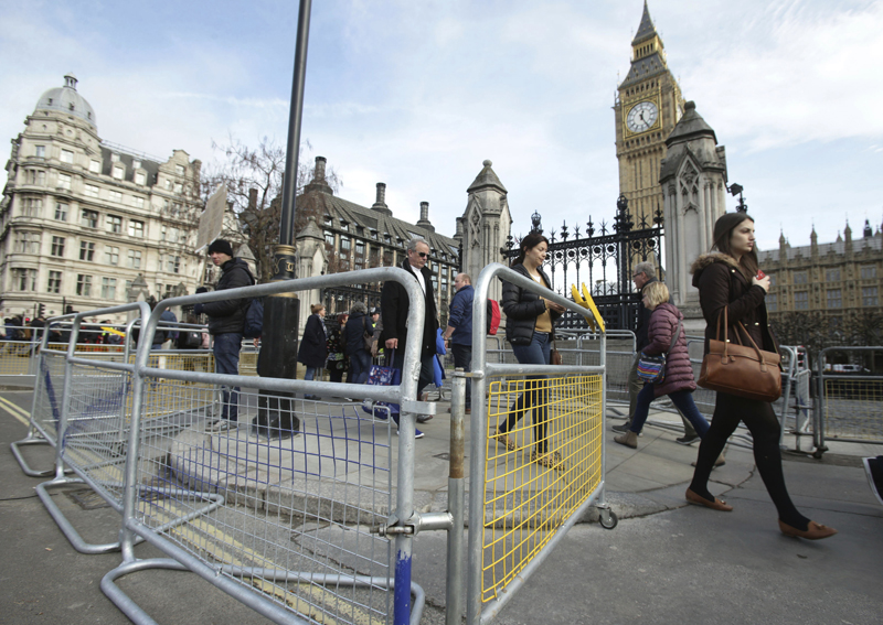 Crowd control barriers in place around the Houses of Parliament ahead of a rally in central London, protesting in support of migrants and against US President Donald Trump, Monday Feb. 20, 2017. Photo: AP
