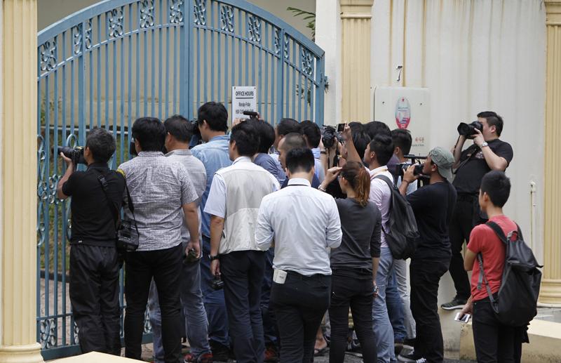 Journalists gather at the main gate of North Korean Embassy in Kuala Lumpur, Malaysia, Monday, Feb. 27, 2017. Photo: AP