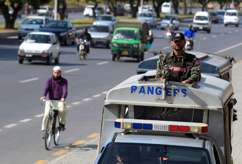 A Pakistani Rangers personel keeps guard while patroling on the streets in Islamabad, Pakistan, on February 20, 2017. Photo: Reuters