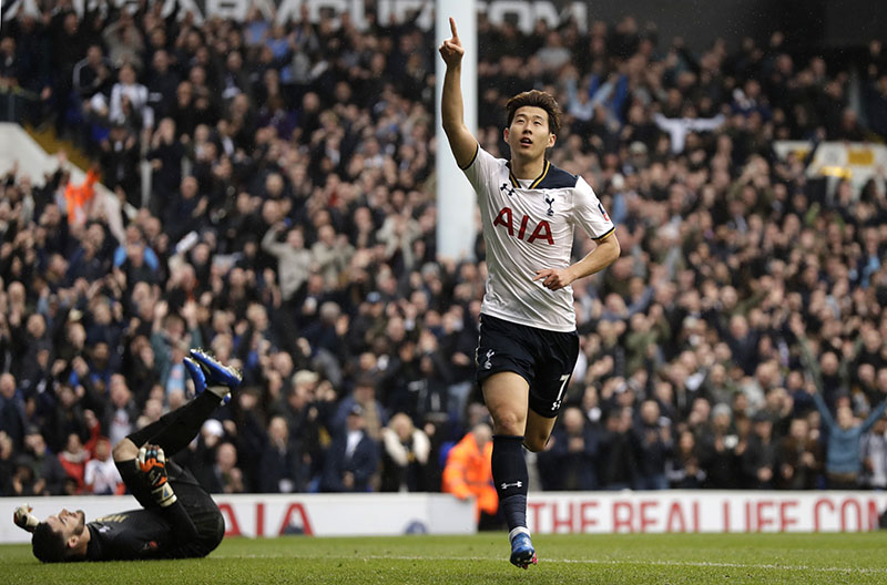 Tottenham's Heung-Min Son celebrates after scoring his side's third goal during the English FA Cup quarterfinal soccer match between Tottenham Hotspur and Millwall FC at White Hart Lane stadium in London, on Sunday, March 12, 2017. Photo: AP