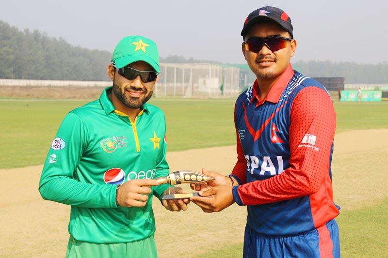 Nepal's stand-in skipper Gyanendra Malla presents a souvenir to his Pakistani counterpart before a game during the ACC Emerging Teams Asia Cup in Bangladesh, on Monday, March 27, 2017. Courtesy: Raman Shiwakoti