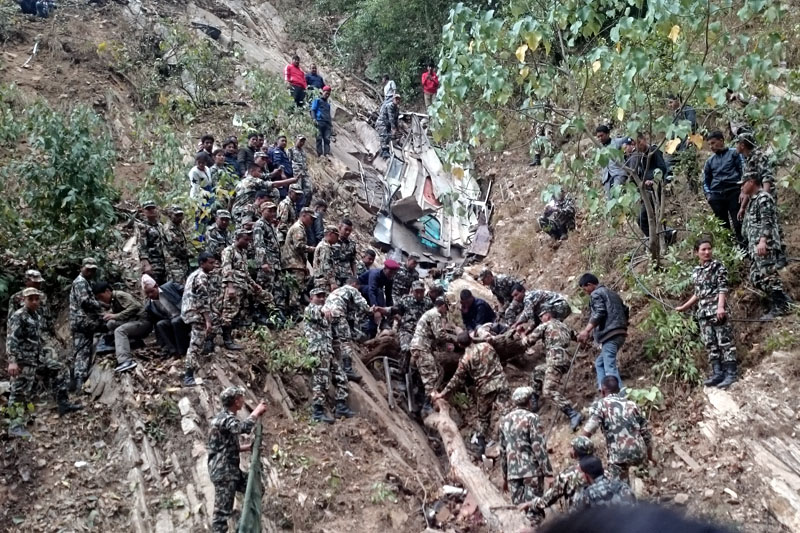 Nepal Army personnel rescue the injured passengers from a bus accident site in Khalanga of Jajarkot district, on Thursday, March 9, 2017. Photo: Dinesh Kumar Shrestha