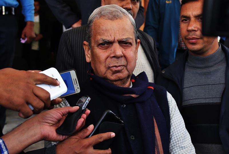 TMDP Chairman Mahantha Thakur talking to the media after the UDMF's meeting with Prime Minister Pushpa Kamal Dahal outside the OPMCM in Singhadarbar on Wednesday, March 15, 2017. Photo: RSS