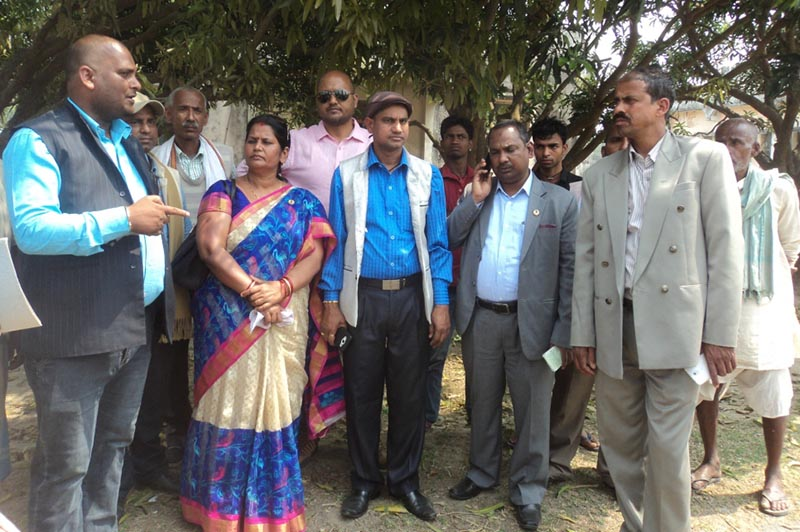 Social Justice and Human Rights Committee team taking down information from the cadres of United Democratic Madhesi Front on the violence that erupted in the district on March 6 in Gajendra Narayan Singh Industrial Area, Saptari, on Thursday, March 23, 2017. Photo: THT