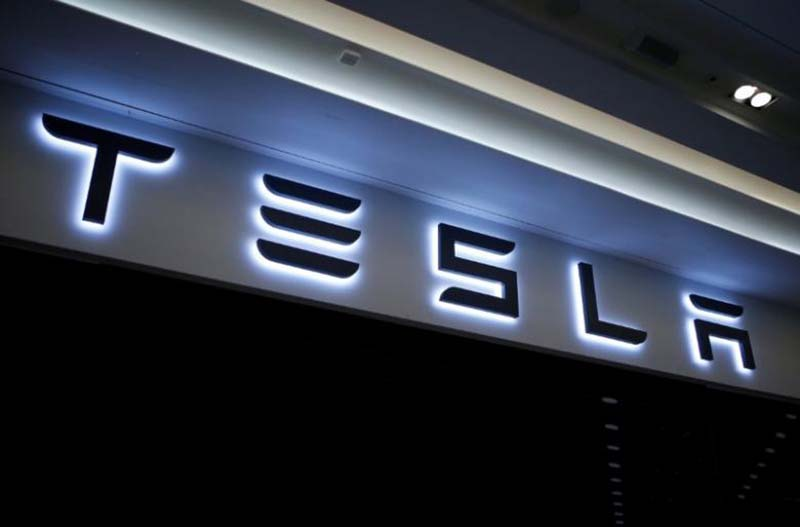 A Tesla logo is seen at its planned store in Hanam, South Korea, on December 22, 2016. Photo: Reuters