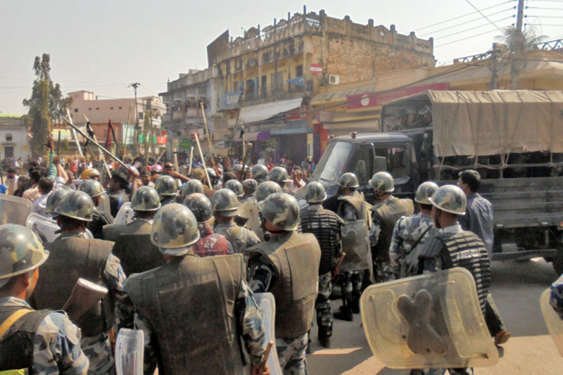UDMF cadres and security personnel clash during a programme organised by CPN-UML Mechi Mahakali Campaign in Rajbiraj of Saptari district, on Monday, March 6, 2017. Photo: Byas Shankar Upadhyay