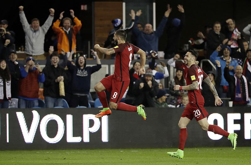 United States' Clint Dempsey (centre) celebrates his free-kick goal with teammate Geoff Cameron (right) during the second half of a World Cup qualifying soccer match against Honduras, in San Jose, California, on Friday, March 24, 2017. Photo: AP
