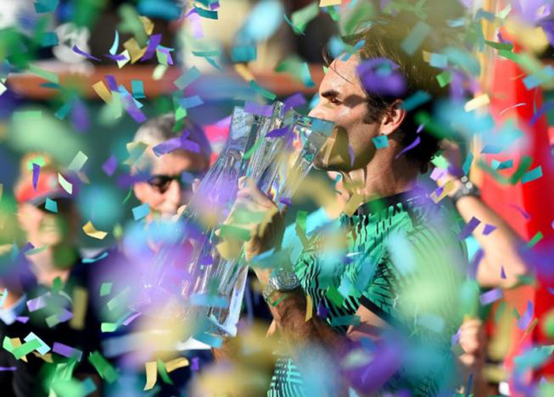Roger Federer (SUI) celebrates after he defeated Stan Wawrinka (not pictured) 7-6, 6-4 in the men's final in the BNP Paribas Open at the Indian Wells Tennis Garden, Indian Wells, CA, USA, on March 19, 2017. Photo: Reuters