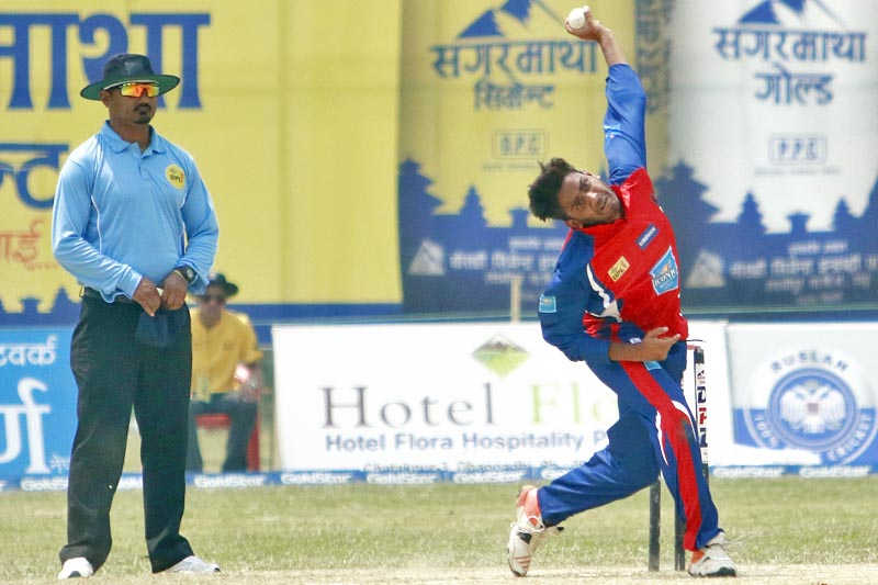 Kanchanpur Iconic's spearhead Avinash Karn steams in to bowl against Team Chauraha Dhangadhi during the Dhangadhi Premier League, on Thursday, April 13, 2017. Photo: Tekendra Deuba