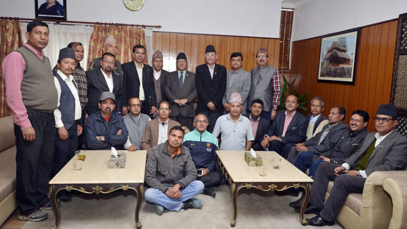 Member of the Confederation of Nepalese Teachers hold meeting with Prime Minister Pushpa Kamal Dahal in Kathmandu on Friday, March 31, 2017. Photo: PM's Secretariat