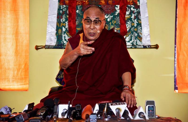 Tibetan spiritual leader Dalai Lama speaks at a press conference after delivering teachings at Yiga Choezin, in Tawang, in the northeastern state of Arunachal Pradesh, India April 8, 2017. Photo: Reuters