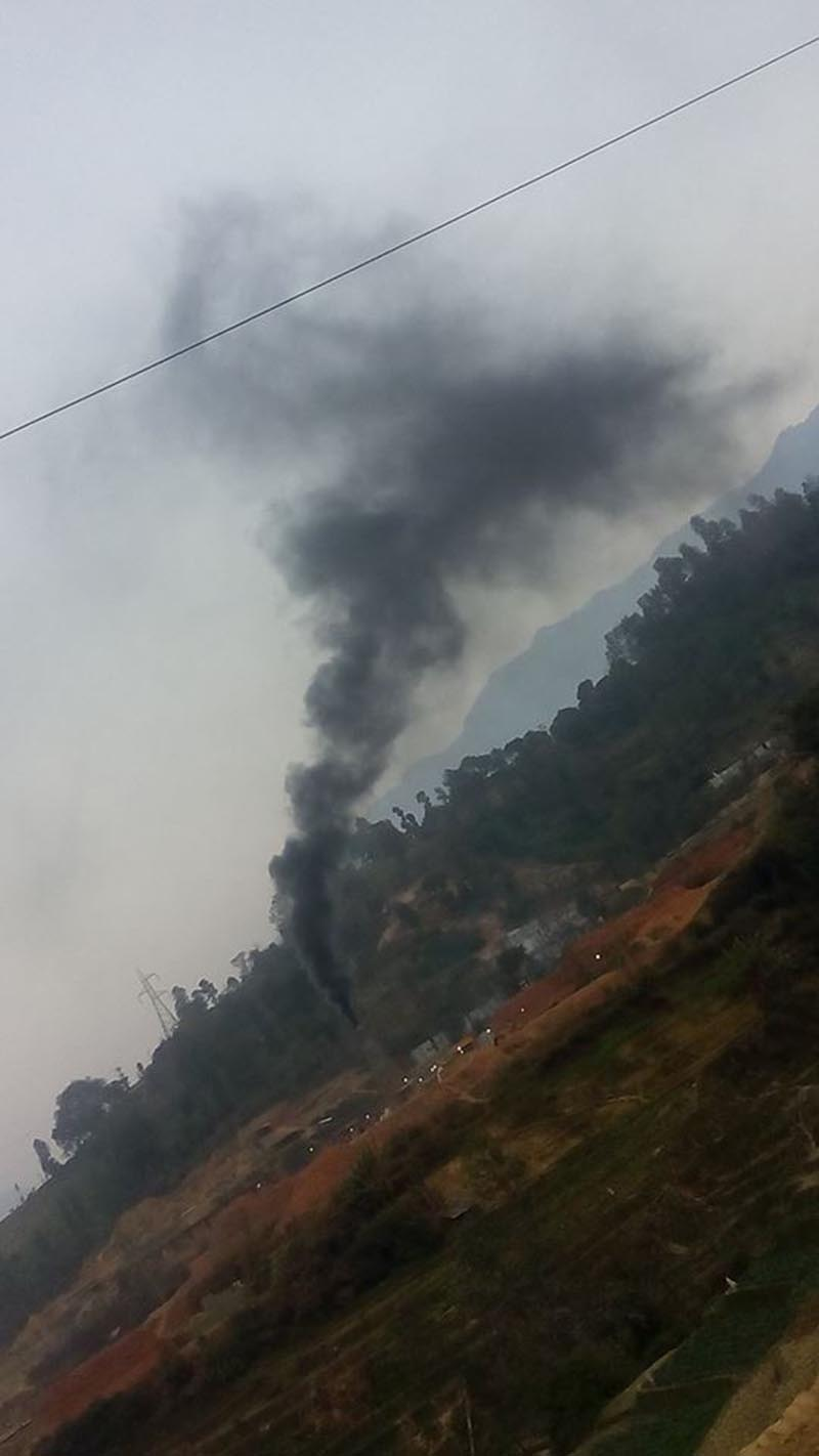 Smoke billowing from a brick kiln, in Jeevanpur, Dhading, on Sunday, April 23, 2017. Photo: THT