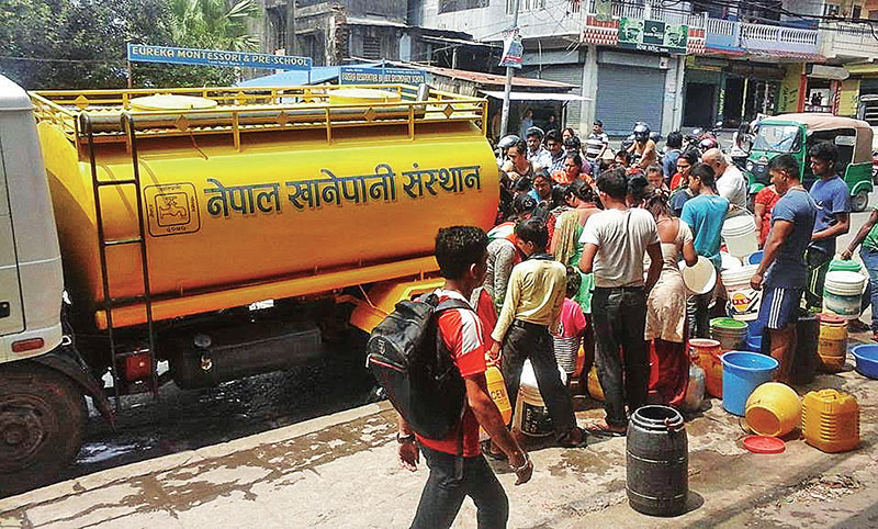 A tanker supplying water to locals, in Dharan, on Saturday, April 22, 2017. Photo: THT