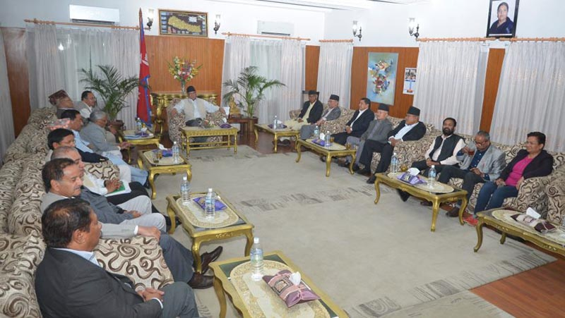 Major five parties' leaders hold meeting with Prime Minister Pushpa Kamal Dahal at his official residence in Baluwatar, Kathmandu, on April 25, 2017. Photo: PM's Secretariat