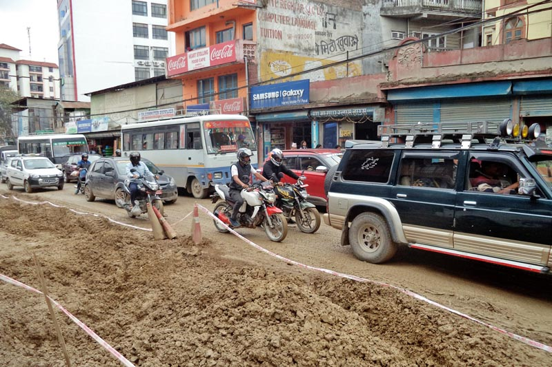 Vehicles plying through congested Chabahil-Jorpati road-section in Kathmandu, on Sunday, April 23, 2017. The on-going Melamchi Drinking Water Project's pipe installation has created traffic chaos in Kathmandu of late. Photo: RSS