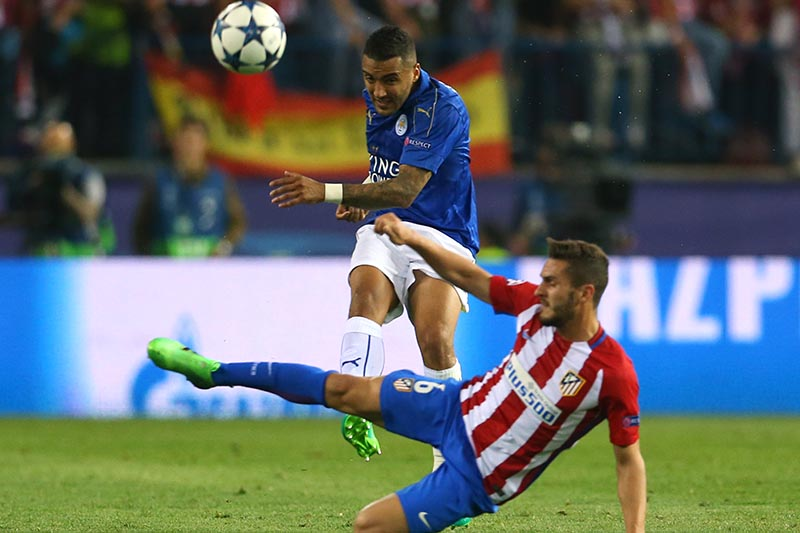 Leicester City's Danny Simpson in action with Atletico Madrid's Koke. Photo: Reuters