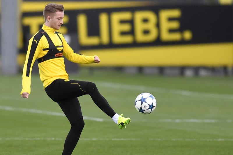 Dortmund's Marco Reus exercises during a training session prior the Champions League quarterfinal, first leg, soccer match between Borussia Dortmund and AS Monaco in Dortmund, Germany, on Monday, April 10, 2017. Photo: AP