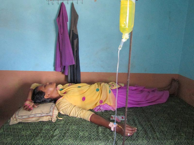 Priyanka Yadav, 22, undergoing treatment after she was brutally tortured by her in-laws, at Bhumija Hospital in Golbazaar, Siraha, on Thursday, April 27, 2017. Photo: THT