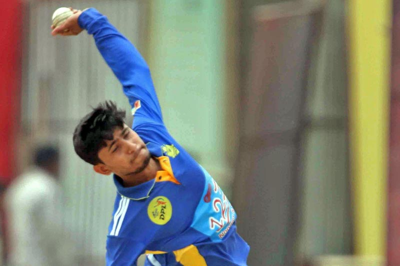 Shushil Kandel of Biratnagar Kings bowls against Rupandehi Challengers. Photo: THT