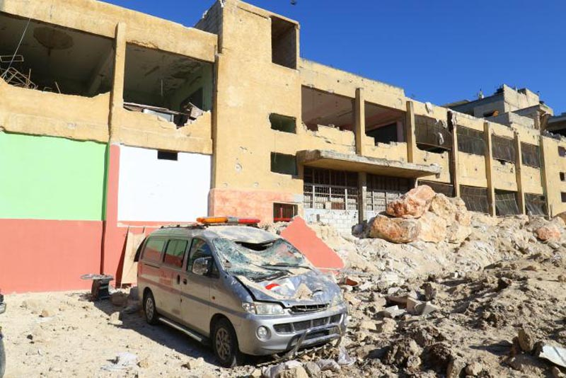 Damaged ambulance and hospital are pictured at a site hit by overnight airstrike, in Kafr Takharim, northwest of Idlib city, Syria, on April 25, 2017. Photo: Reuters