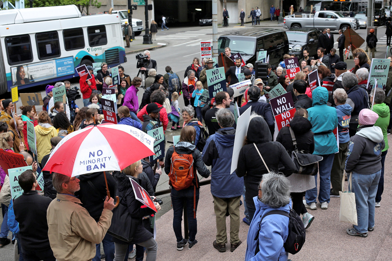 People protest US President Donald Trump's travel ban outside of the US Court of Appeals in Seattle, Washington, May 15, 2017. Photo: Reuters