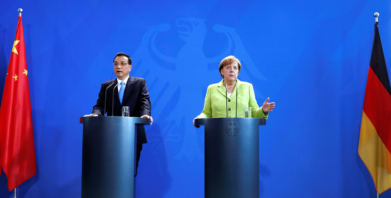 German Chancellor Angela Merkel and Chinese Premier Li Keqiang during news conference at the Chancellery in Berlin, Germany, June 1, 2017.  Photo: Reuters
