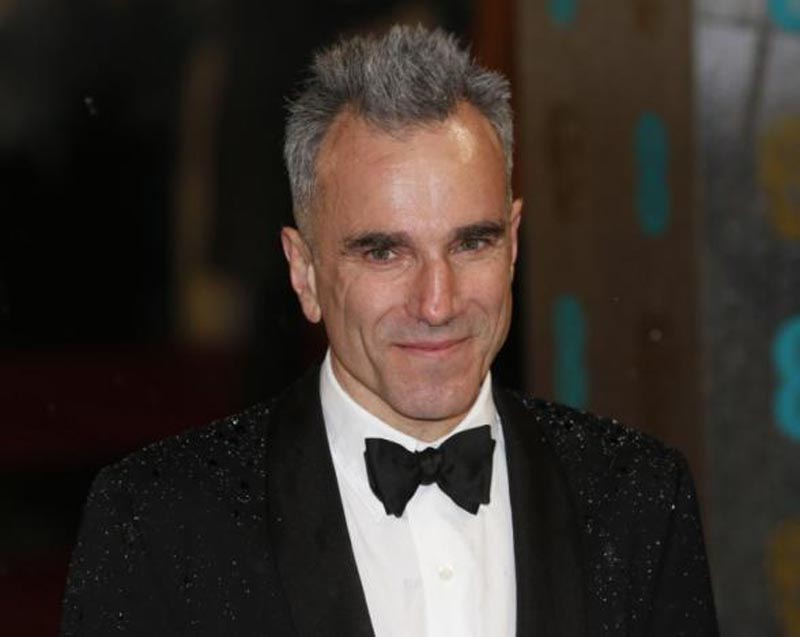 Actor Daniel Day-Lewis poses as he arrives for the British Academy of Film and Arts (BAFTA) awards ceremony at the Royal Opera House in London, on February 10, 2013. Photo: Reuters